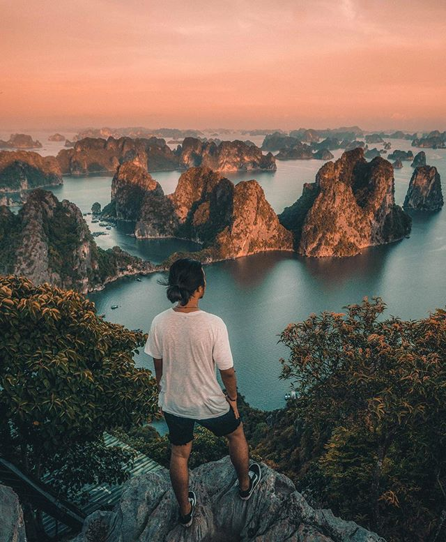 the best time to visit halong bay