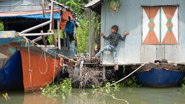 floating market in siem reap