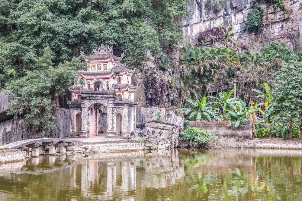 A Detailed Guide to Day Trip to Hoa Lu and Tam Coc