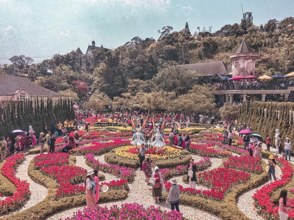 All you need to know for an amazing trip to Ba Na Hills and its iconic Golden Bridge