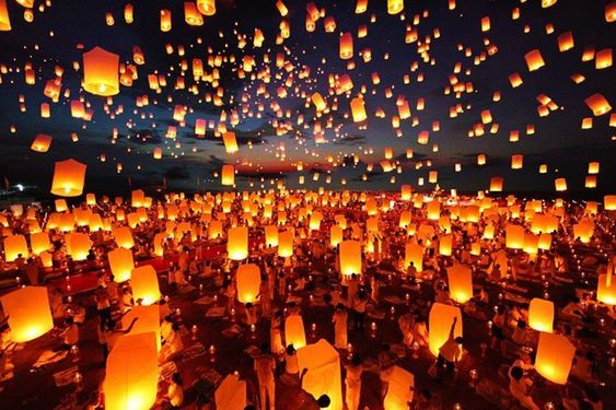 A comprehensive guide to the breathtaking Yee Peng Lantern Festival in Chiang Mai