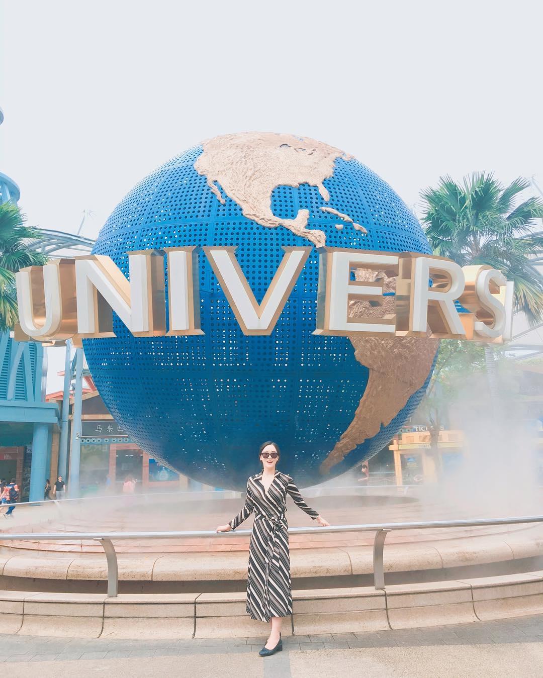 Universal Globe at Universal Studios Singapore