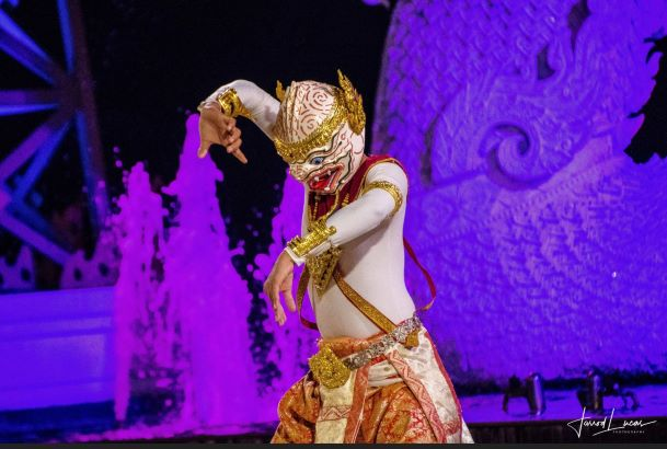 A cultural dance at Siam Niramit Bangkok