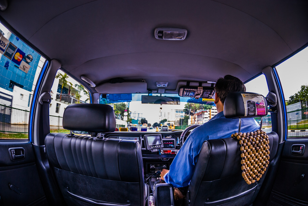 Travel to Singapore by taxi