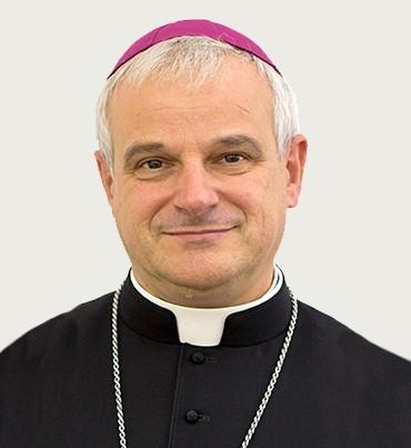 Nowy biskup obejmuje władzę - Zdjęcie główne