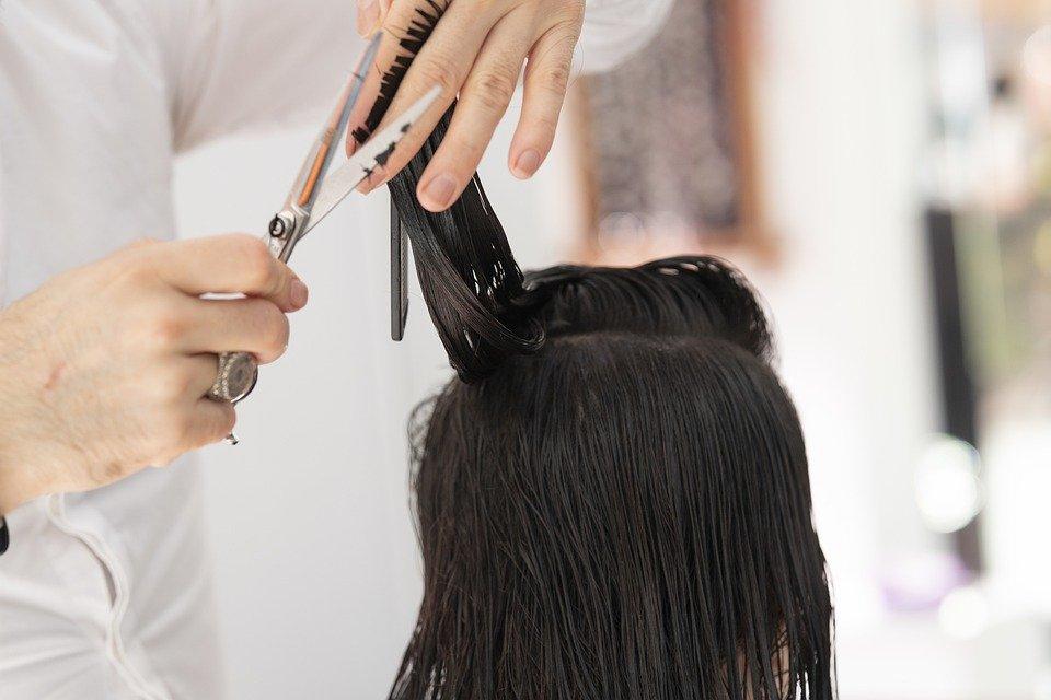 Od poniedziałku pójdziesz do fryzjera - Zdjęcie główne