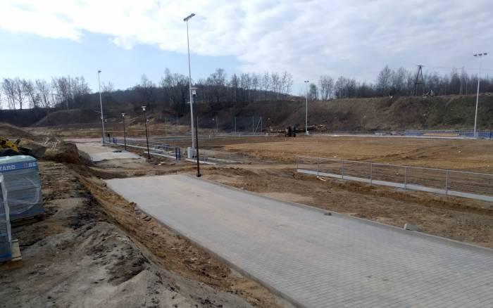Budują stadion - Zdjęcie główne