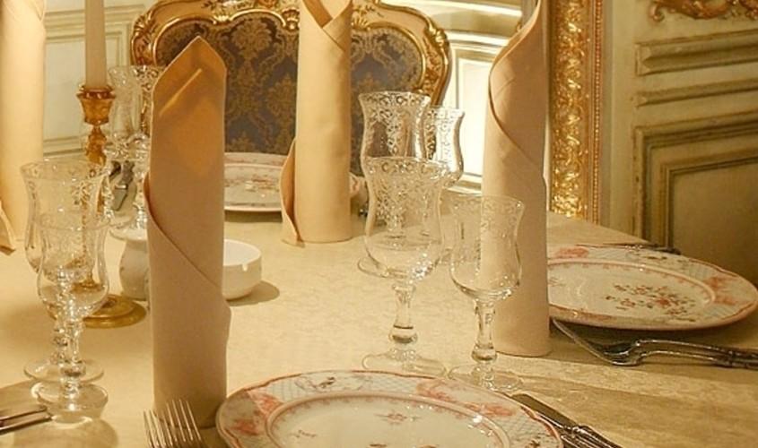Ресторан, Банкетный зал на 8 персон в ЦАО, м. Тверская от 8000 руб. на человека