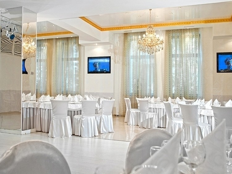 Ресторан на 150 персон в ЦАО, м. Комсомольская, м. Красные ворота от 2500 руб. на человека