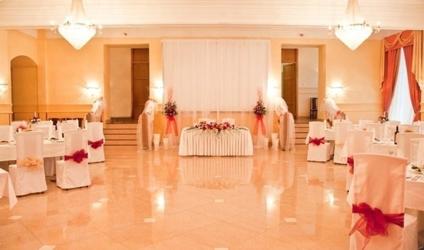 Банкетный зал на 180 персон в ЦАО, м. Парк культуры, м. Октябрьская от 1500 руб. на человека