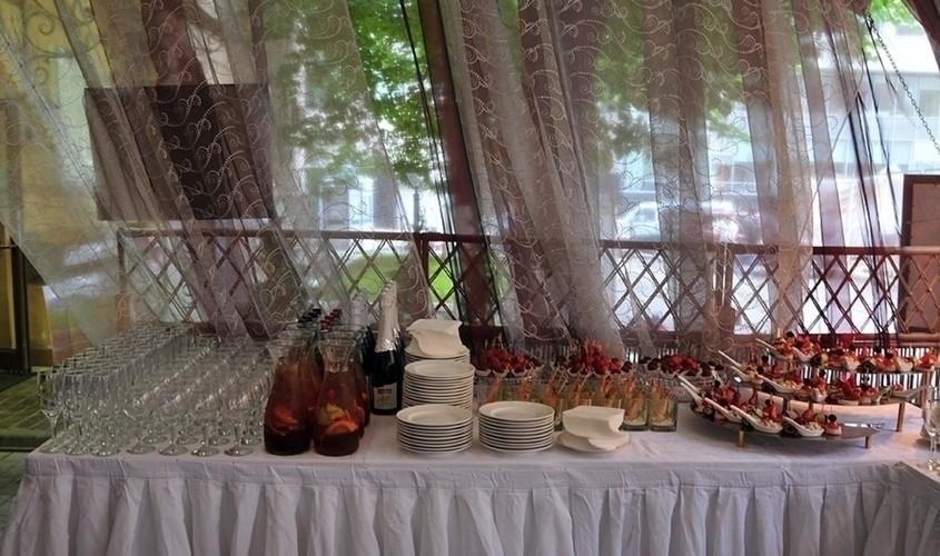 Летняя веранда на 20 персон в ЦАО, м. Комсомольская, м. Красные ворота от 3000 руб. на человека