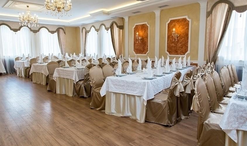 Ресторан, При гостинице, За городом на 180 персон в ЮВАО,  от 2800 руб. на человека