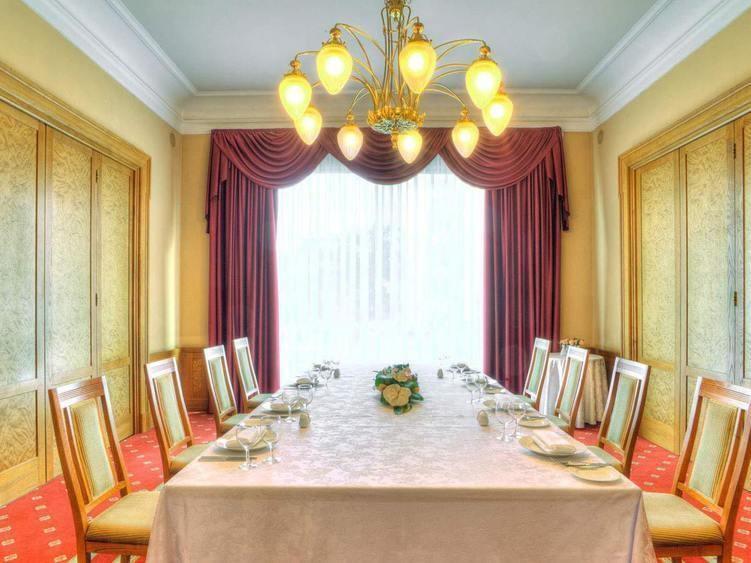 При гостинице, Конференц-зал на 30 персон в ЦАО, м. Охотный ряд, м. Театральная, м. Пл. Революции от 6000 руб. на человека