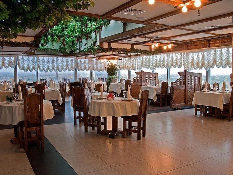 Ресторан, Банкетный зал на 250 персон в ЮВАО, м. Жулебино от 2500 руб. на человека