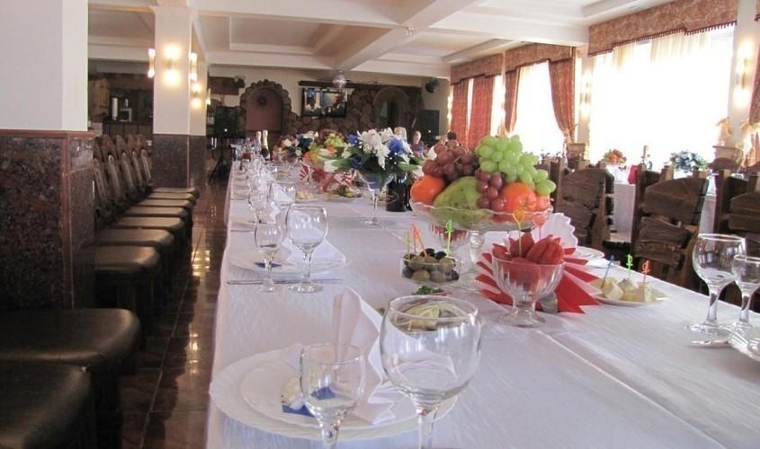 Ресторан, При гостинице, За городом на 100 персон в СВАО, м. Алтуфьево от 2500 руб. на человека