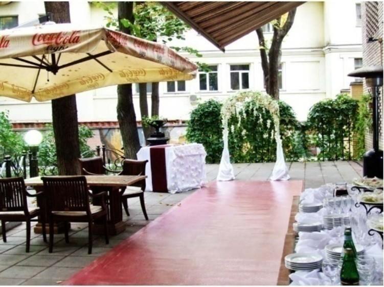 Летняя веранда на 30 персон в ЦАО, м. Смоленская от 2500 руб. на человека