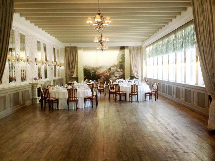Ресторан, Банкетный зал, При гостинице, За городом на 120 персон в ЮАО, м. Аннино от 3500 руб. на человека