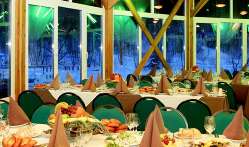 Ресторан, Банкетный зал, При гостинице, За городом на 200 персон в ЮАО, м. Домодедовская от 3500 руб. на человека
