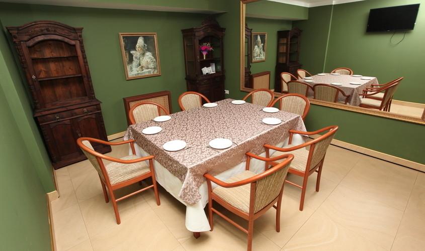 Ресторан, Банкетный зал, При гостинице на 10 персон в ЦАО, м. Пушкинская, м. Тверская, м. Чеховская от 2500 руб. на человека