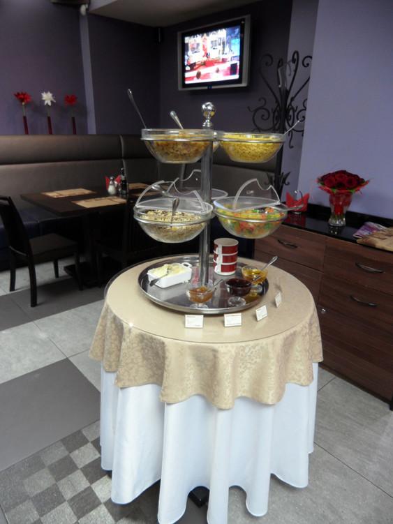 Банкетный зал, Кафе, При гостинице на 60 персон в СВАО, м. ВДНХ от 1500 руб. на человека