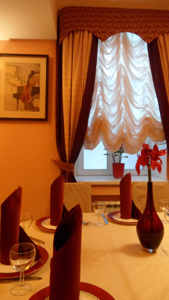 Банкетный зал, Кафе, При гостинице на 15 персон в СВАО, м. ВДНХ от 1500 руб. на человека