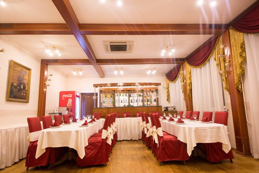 Ресторан, Банкетный зал, При гостинице на 30 персон в ЦАО, ЮЗАО, м. Парк культуры, м. Кропоткинская от 2500 руб. на человека