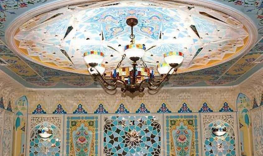 Нижний зал