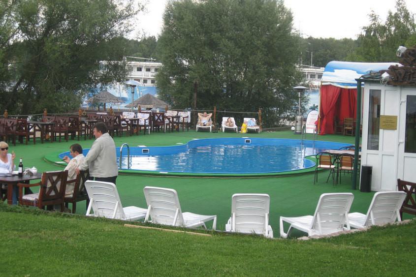 Ресторан, Банкетный зал, При гостинице, За городом на 90 персон в САО,  от 6000 руб. на человека