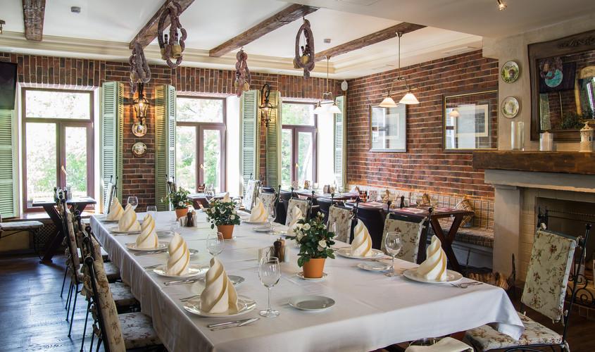 Ресторан на 50 персон в ЦАО, м. Краснопресненская от 1500 руб. на человека