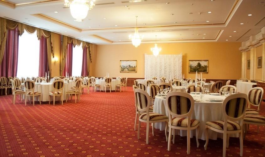 Банкетный зал, При гостинице, За городом на 250 персон в ЮЗАО, м. Теплый стан от 3000 руб. на человека