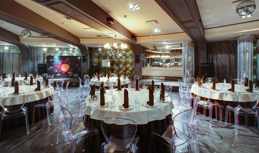 Банкетный зал на 200 гостей