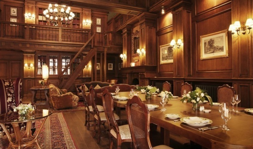 Ресторан, Банкетный зал, За городом на 30 персон в ЗАО, м. Молодежная от 10000 руб. на человека