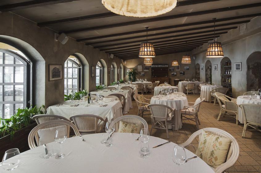 Ресторан, Банкетный зал на 40 персон в ЦАО, ЗАО, м. Киевская от 12000 руб. на человека