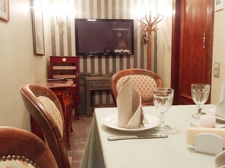 Ресторан на 8 персон в ЦАО, ЮЗАО, м. Добрынинская, м. Октябрьская, м. Серпуховская от 2500 руб. на человека