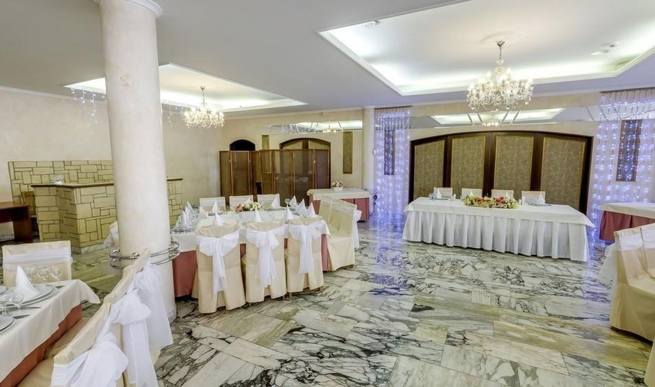 Ресторан, Банкетный зал, При гостинице на 100 персон в ЮЗАО, м. Юго-Западная, м. Тропарево от 2500 руб. на человека