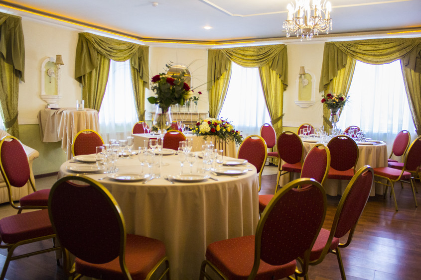 Ресторан, При гостинице, За городом на 25 персон в ЮАО,  от 3300 руб. на человека