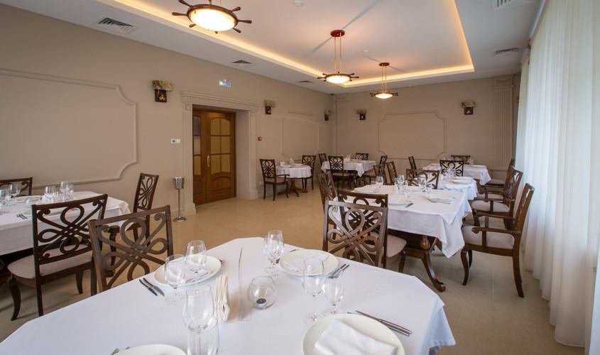 Ресторан, За городом, Яхт-Клуб на 50 персон в САО,  от 4000 руб. на человека