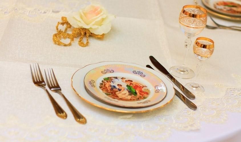 Ресторан, Банкетный зал, За городом на 100 персон в ЮАО, м. Лесопарковая от 2000 руб. на человека