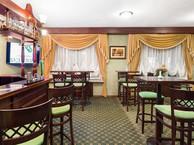 При гостинице, Бар на 25 персон в ЦАО, м. Кузнецкий мост, м. Театральная, м. Охотный ряд, м. Пл. Революции от 1800 руб. на человека