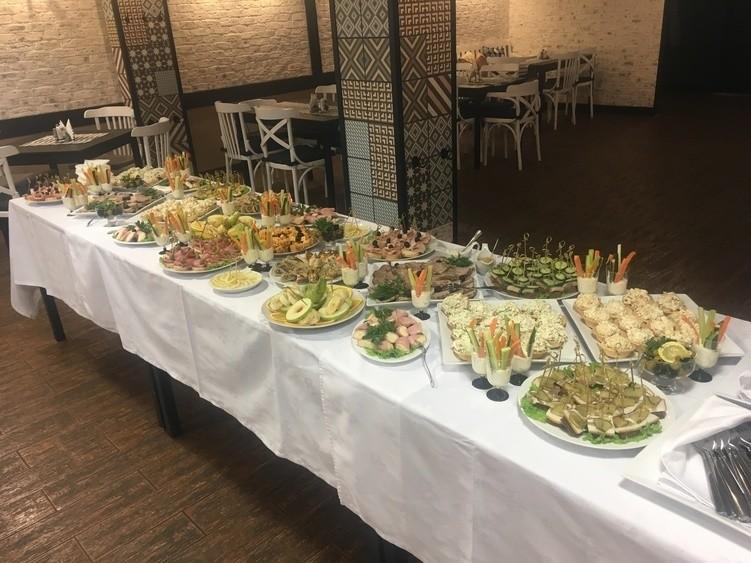 Ресторан на 100 персон в ЮАО, м. Павелецкая от 1500 руб. на человека