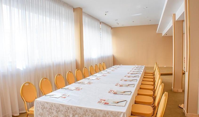 Банкетный зал, При гостинице на 25 персон в ЦАО, м. Охотный ряд, м. Театральная, м. Пл. Революции от 6000 руб. на человека