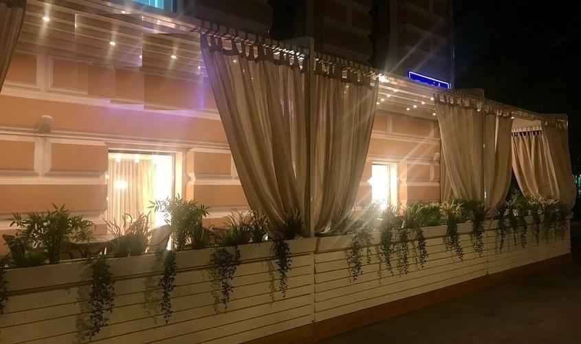 Кафе, Летняя веранда на 30 персон в ЦАО, м. Парк культуры, м. Смоленская, м. Кропоткинская от 2000 руб. на человека