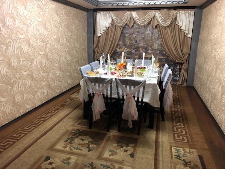 Ресторан, Банкетный зал, При гостинице на 16 персон в ЮАО, м. Чертановская от 2000 руб. на человека