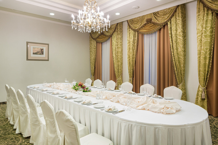 Банкетный зал, При гостинице, Конференц-зал на 20 персон в ЗАО, м. Славянский бульвар от 3000 руб. на человека