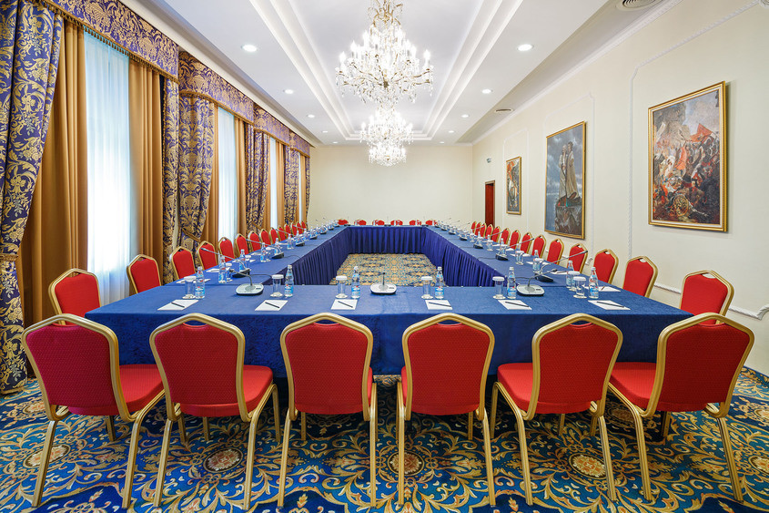 Банкетный зал, При гостинице, Конференц-зал на 40 персон в ЗАО, м. Славянский бульвар от 3000 руб. на человека