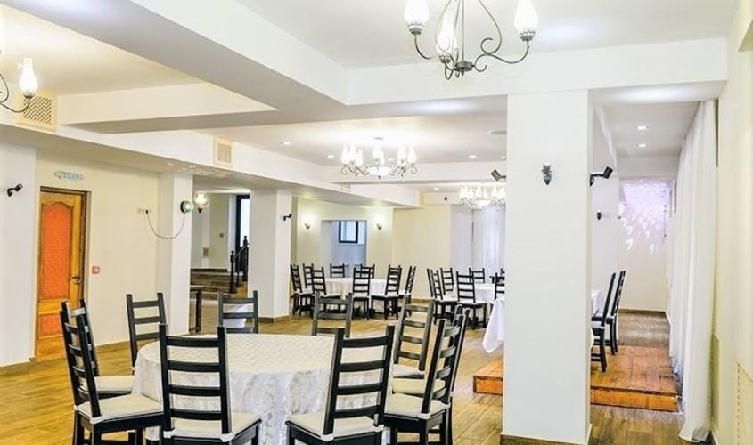 При гостинице, За городом, Усадьба на 120 персон в ЗАО, м. Молодежная от 3000 руб. на человека