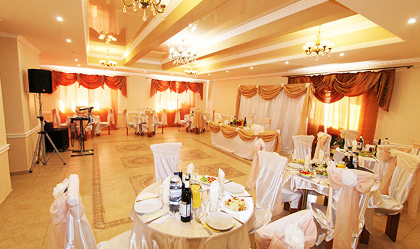 Ресторан, Банкетный зал, При гостинице, За городом на 70 персон в ВАО,  от 2500 руб. на человека