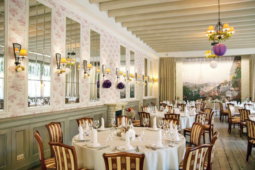 Ресторан, Банкетный зал, При гостинице, За городом на 120 персон в ЮАО,  от 3500 руб. на человека