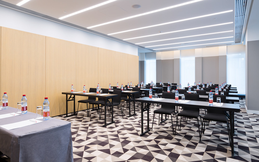 Банкетный зал, При гостинице, Конференц-зал на 40 персон в ЦАО, м. Смоленская от 3000 руб. на человека