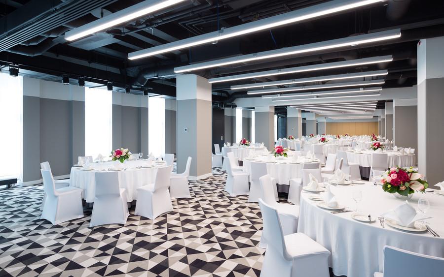 Банкетный зал, При гостинице, Конференц-зал на 200 персон в ЦАО, м. Смоленская от 3000 руб. на человека
